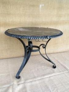 table plaited
